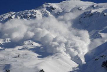 Лавина уби скиори в Италия
