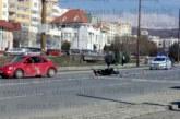 """Страшна каскада в Благоевград! Моторист в """"Пирогов"""" с мозъчен кръвоизлив след адски сблъсък"""