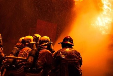 4 пожарни екипа потушават пожар в Петрич! Пламна бившето танково поделение