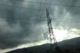 9 500 души останаха без ток заради ураганния вятър