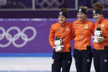 Холандките спечелиха и трите медала в бързото бягане с кънки