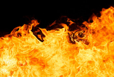 Пожар в голям тибетски манастир