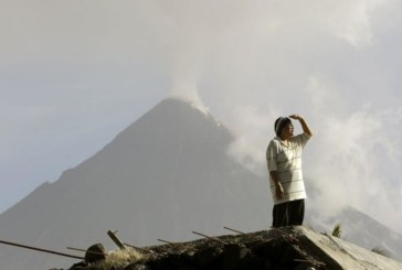 Изригна вулканът Синабунг
