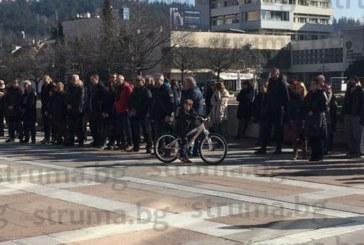 ПОСЛЕДНО СБОГОМ! Хиляди изпратиха с аплодисменти обичания актьор Николай Кимчев