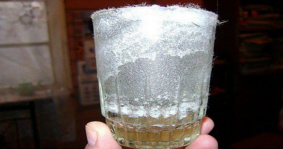 Тест със стъклена чаша показва, дали има негативната енергия във вашия дом