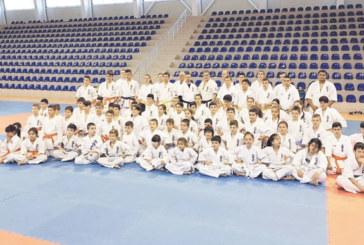 76 от 76 изкараха изпита в Гоце Делчев за степен в каратето