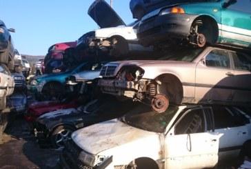 """Мъж плати 200 лв. на четирима помагачи и с кола на """"Пътна помощ"""" открадна """"Фиат"""" от паркинг в жк """"Дупница"""" и го продаде за скрап"""