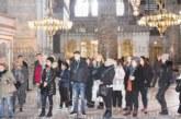 Благоевградски гимназисти свидетели на първата служба на български език в Желязната църква в Истанбул от банскалията отец Калайджиев