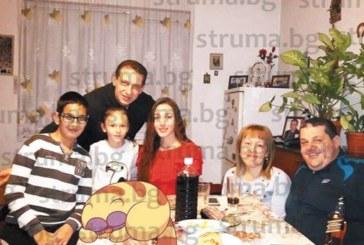 Съветникът от РЗС в Сандански К. Станоев празнува рожден ден със семейството си и приятели