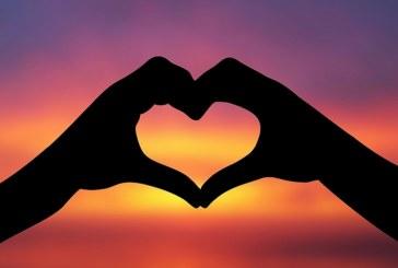Вижте какво ни вещаят звездите в любовта през февруари