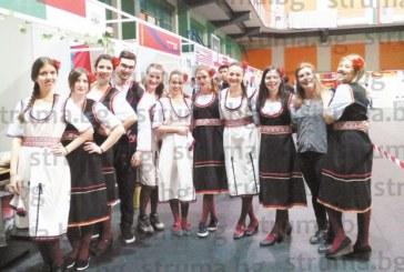 Грузински патладжан с нар, монголски хуушуур, руска торта с извара сред атракциите на кулинарен фестивал в АУБ
