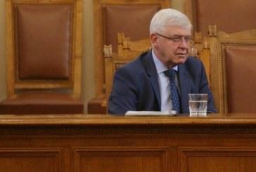 Здравният министър поиска оставката на управителя на НЗОК