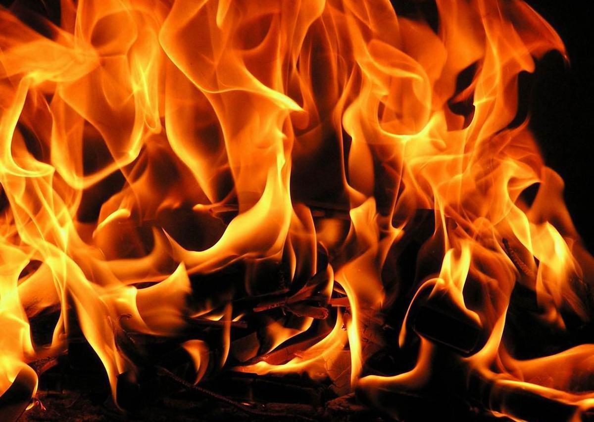 Огнен ад в дискотека, десетки пострадаха