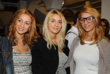 Тризначките стават фризьорки в Лондон