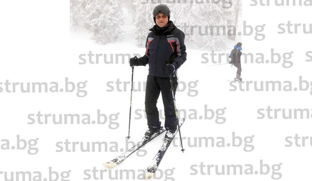 След 20-г. пауза зам. кметът на Петрич И. Стоянов възстановява скиорските си умения на пистата за начинаещи на Пампорово