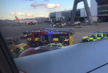 КОШМАРЕН ИНЦИДЕНТ! Самолет прегази работник на летище