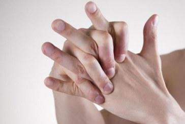 Разкриха загадката свързана с пукането на пръстите на ръцете
