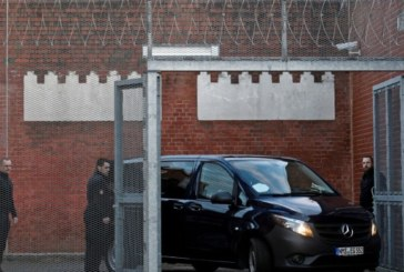 Карлес Пучдемон остава в ареста