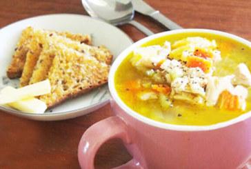 Супа с печено пиле и карамелизиран чесън