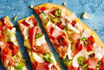 Пица на грил с тиквички, прошуто и люти чушки