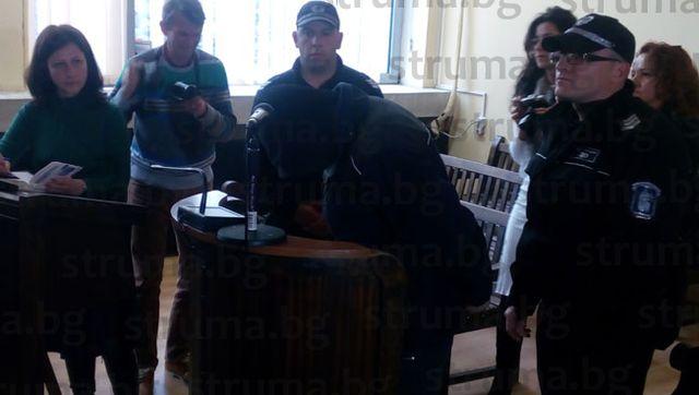 Оставиха в ареста таксиметровия шофьор от Благоевград