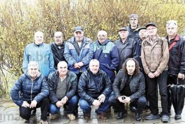 """24-има благоевградски пчелари се отцепиха от дружество """"Акация"""" заради несъгласие с политиката на ръководството и регистрираха """"Пчела-2018"""""""