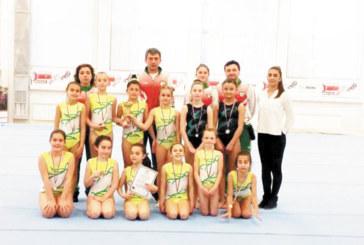 """Момичетата на """"Л. Солачки"""" втори в зоната, класират 3 отбора за финалите"""