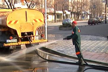 Започна пролетно миене на улиците в Благоевград
