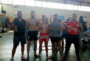 Дупнишки кикбоксьори със златни медали в Гърция