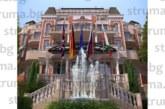 Бизнесмен с корен от Добринище  вдига 5-звезден спа  комплекс върху 7 дка имот  в градчето, туристи пълнят  целогодишно над 120-те къщи за гости