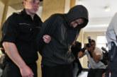 Адвокатът на бомбаджията, ранил полицайка на дербито ЦСКА – Левски с шокираща версия