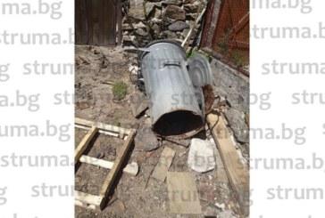 Жители на Разложко: Варелите за битови отпадъци са с откъртени дъна, къде да изхвърляме боклука си?