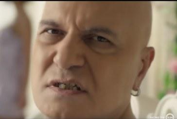 Слави шашка с криви и жълти зъби в новия си клип! Фенове го спукаха от подигравки