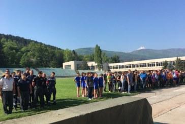"""10 отбора мериха сили в състезанието """"Млад огнеборец"""" в Кюстендил"""