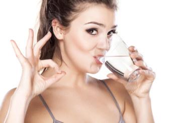 Пийте вода на празен стомах и ще преборите редица болести