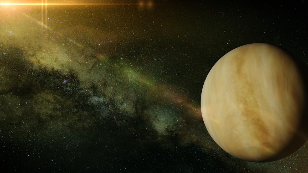 Има данни за живот в атмосферата на Венера