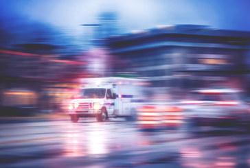 Двама полицаи в болница, блъснати от кола