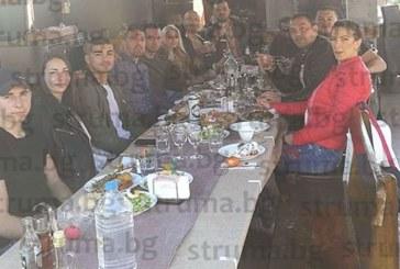 """СК """"Патриот"""" празнуваха с пълнено агне по рецепта от бащата на световния шампион по кикбокс Доброслав Радев"""