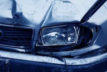 Два камиона и три коли се удариха, мелето е страшно, жена и две деца ранени