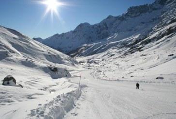 Четирима туристи измръзнаха до смърт в Алпите, петима с опасност за живота