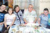 """Изненадаха шефа на """"Виктори Благоевград"""" с шахматна торта за рожден ден"""
