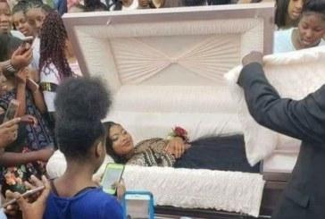 Зловещо! Момиче отиде на бала си в ковчег /СНИМКИ/