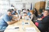 Фамилия Стоеви искат да купят тоалетните на училището в с. Поленица, за да разширят с 200 кв.м имота си