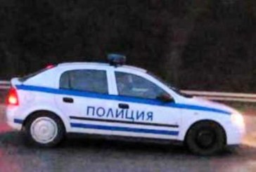 Подробности за ранените полицаи! Кола се вряза в патрулка, шофьорът се разсеял