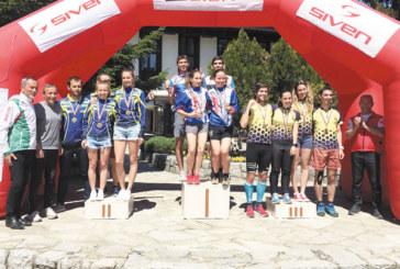 """Пълен комплект медали за """"Младост"""" от държавното по ориентиране в Банско, домакините с 0 участници"""
