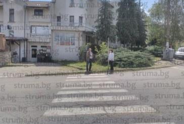 """Жители на кюстендилски квартал искат """"легнал полицай"""" или кръгово кръстовище на пътя за ГКПП – Гюешево, опасен е"""