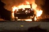 Огнен ужас в Югозапада! Кола изгоря като факла, пламъците обхванаха и други автомобили
