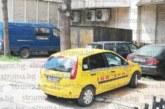 НАГЛОСТ! Таксиметров шофьор, дрогиран и без лиценз, вози пътници