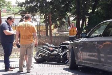 Тежка катастрофа на Е-79! Мотор и кола в страшен сблъсък, има ранен