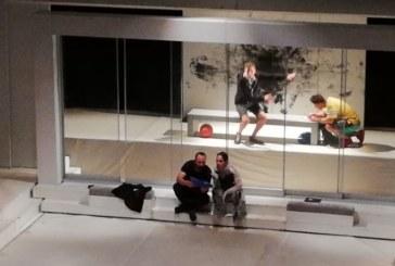 """Силно представяне на """"Момчето от последния чин"""" в поредна вечер на театралния фестивал """"Тара-ра-бумбия"""""""